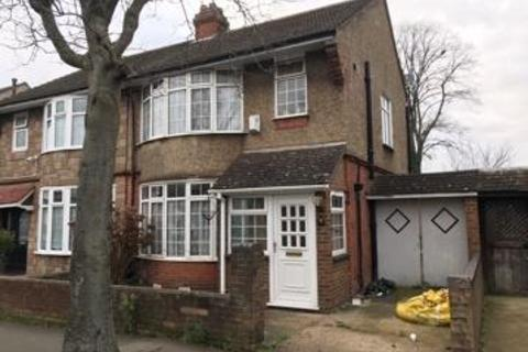 3 bedroom house to rent - Grantham Road, Luton