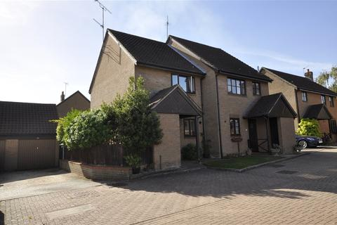 2 bedroom semi-detached house to rent - The Dell, Chelmsford