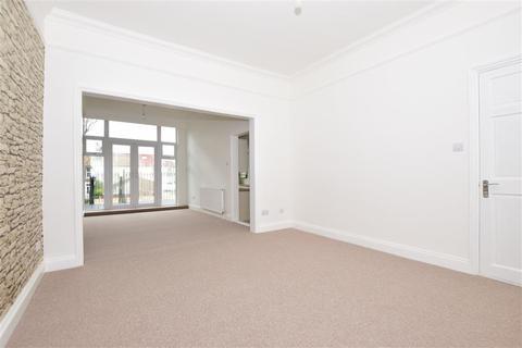 3 bedroom ground floor maisonette for sale - Marine Parade, Sheerness, Kent