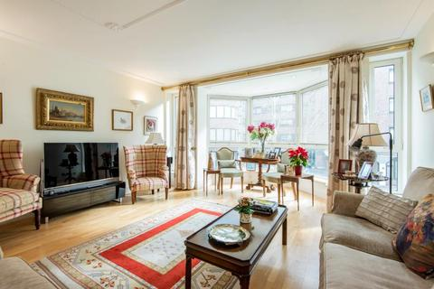 3 bedroom flat for sale - BALMORAL COURT, QUEENS TERRACE, NW8