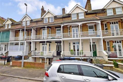 1 bedroom apartment for sale - Cuthbert Road, Westgate-On-Sea, Kent