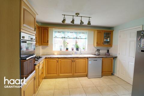 4 bedroom detached house for sale - Richmond Drive, Grantham