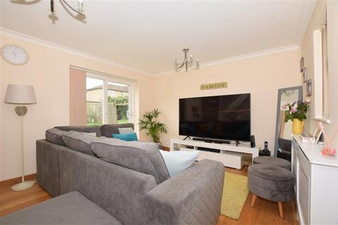 3 bedroom semi-detached house for sale - Essella Road, Ashford, Kent