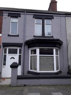 1 bedroom flat to rent - Queen Street, Redcar TS10