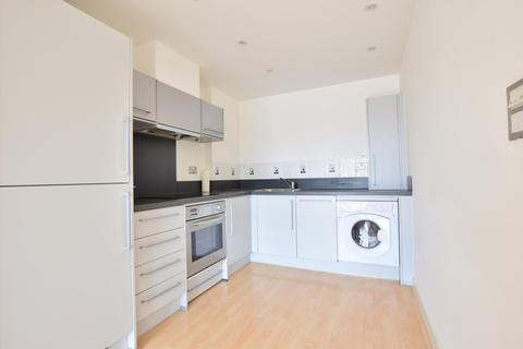 1 bedroom flat to rent - Riverbank Point, High Street, Uxbridge UB8 1JL