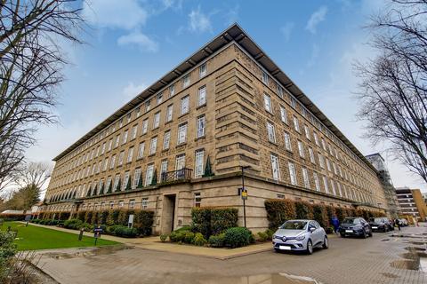 2 bedroom flat for sale - Bromyard House, Bromyard Avenue, Acton, London, W3