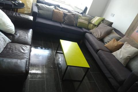 8 bedroom house to rent - Upper Lloyd Street, Manchester, M14