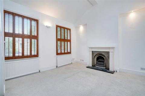 2 bedroom terraced house to rent - Cobbold Road, Shepherds Bush, London, W12