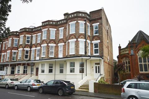 1 bedroom apartment for sale - West Cliff, Bournemouth