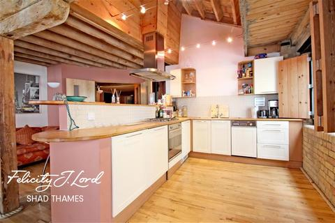 2 bedroom flat to rent - Wheat Wharf, Shad Thames, SE1