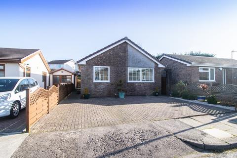 3 bedroom detached bungalow for sale - Bryn Rhosyn, Radyr