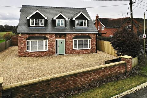 3 bedroom detached house for sale - Sandy Lane, Whitegate, Northwich