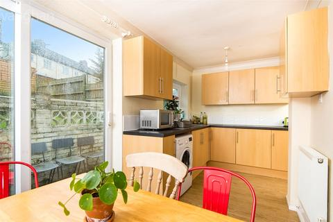 6 bedroom property to rent - Medmerry Hill, Brighton, East Sussex, BN2