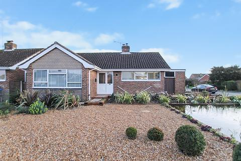 2 bedroom detached bungalow for sale - New Road, Worthing BN13 3JG