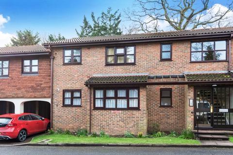 2 bedroom flat for sale - Balmoral Gardens, Bexley Village