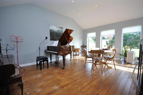 4 bedroom detached house for sale - Midway Avenue, Nether Poppleton, York, YO26 6NT