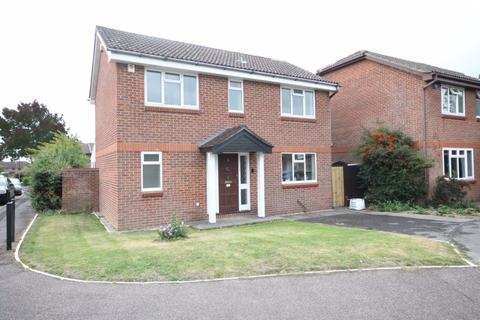4 bedroom detached house to rent - Hollybrook Gardens, Locks Heath