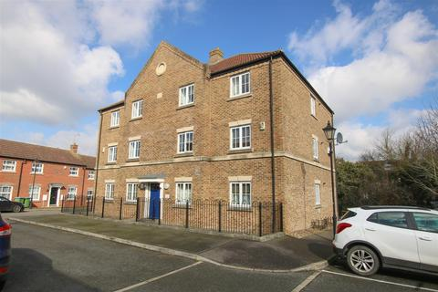 2 bedroom flat for sale - Paddock Close, Aylesbury