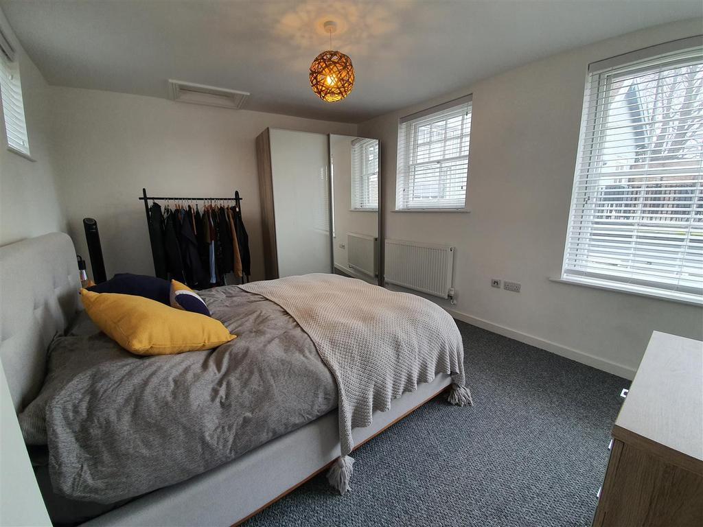 Alexander house bedroom1.jpg