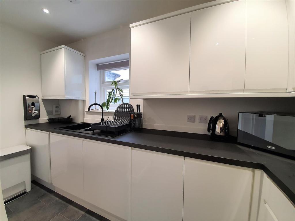 Alexander house kitchen 3.jpg