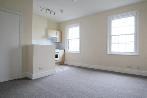 Studio to rent - Albany Villas, Hove, BN3