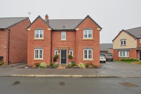 4 bedroom detached house for sale - Plum Crescent, Burbage, Hinckley