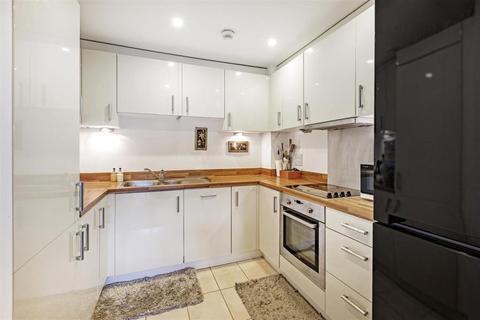 2 bedroom flat to rent - Chartfield Avenue, Putney SW15