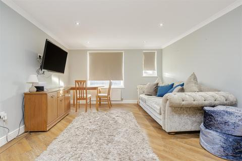 2 bedroom apartment for sale - 98-100 High Street, Banstead