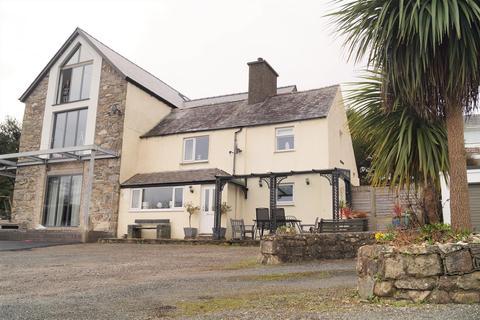 3 bedroom semi-detached house for sale - Llanbedrog, Pwllheli