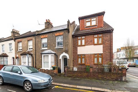 3 bedroom terraced house to rent - Cruickshank Road, Stratford E15
