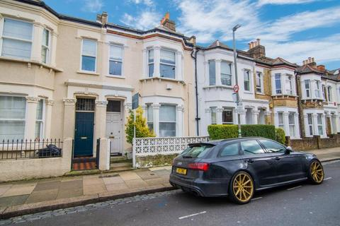 3 bedroom flat for sale - Eccles Road, Battersea, SW11