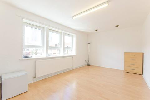 2 bedroom apartment for sale - Kerrison Road, Stratford, London E15