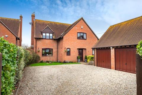 4 bedroom detached house for sale - Clifden Road, Worminghall, Aylesbury, Buckinghamshire