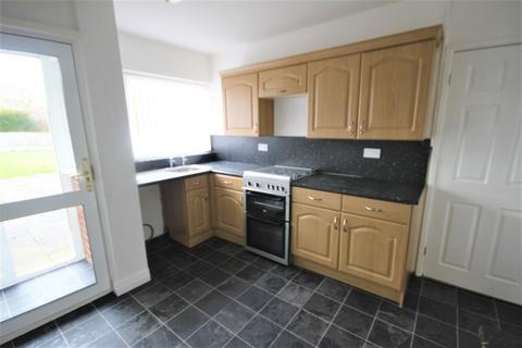 2 bedroom semi-detached bungalow to rent - Greenfields, Hixon, Stafford