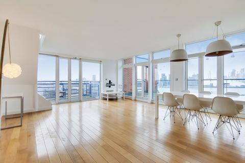 2 bedroom penthouse for sale - Western Beach Apartments, Royal Victoria Dock, E16