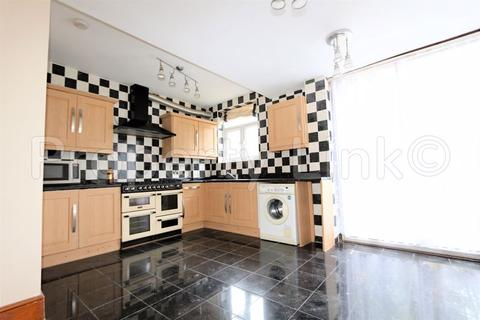 4 bedroom house to rent - Mayville Road, Ilford
