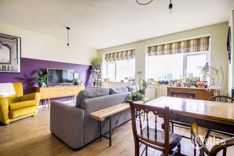 2 bedroom apartment for sale - Newnham Road, London, N22