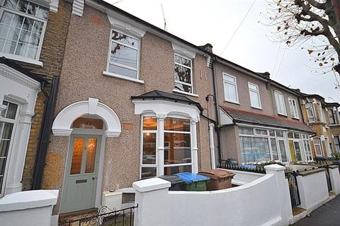 4 bedroom terraced house to rent - Huddlestone Road, Forest Gate, London