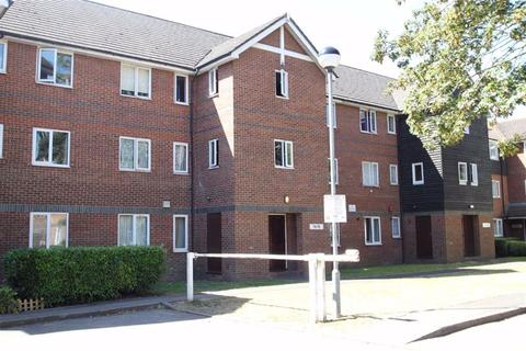 2 bedroom flat for sale - Mandeville Court, Chingford