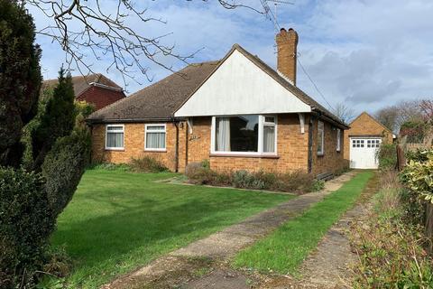 3 bedroom detached bungalow for sale - Galleywood Road, Great Baddow, Chelmsford, CM2