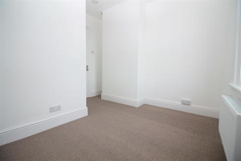 House to rent - Cecil Road, Lancing