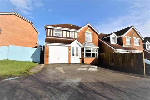 4 bedroom detached house for sale - Cennin Pedr, Barry