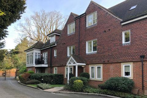 2 bedroom apartment to rent - Bellingham Drive, Reigate, Surrey, RH2