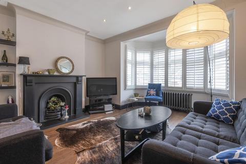 2 bedroom flat for sale - Netheravon Road, Chiswick