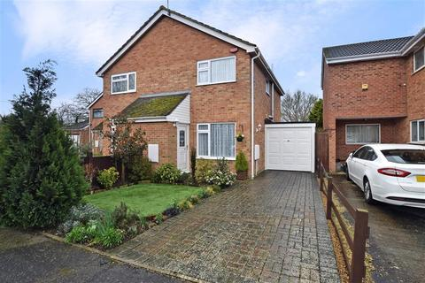 2 bedroom semi-detached house for sale - Down Court, Ashford, Kent