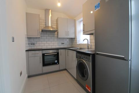 2 bedroom flat to rent - Chesterfield Road, Enfield, EN3