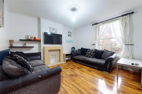 4 bedroom flat for sale - Monkton House, Pembury Road, London, E5
