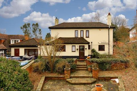 5 bedroom detached house for sale - Foley Road, Claygate