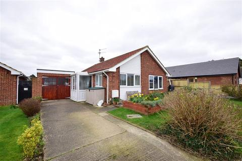 2 bedroom bungalow for sale - Windmill Road, Herne Bay, Kent