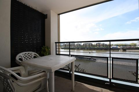 2 bedroom flat to rent - Chart House, Burrells Wharf Square, Isle of Dogs E14